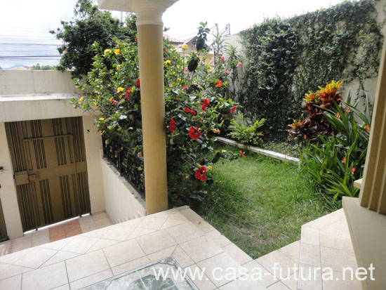 1 jardin frontal for Patios chiquitos