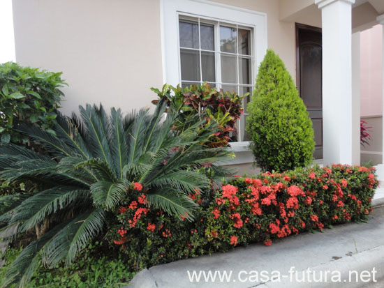 2 jardin frontal for Jardines modernos para casas