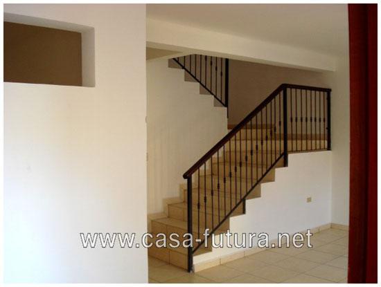 2 entrada casa y gradas for Gradas de casas