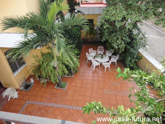 7 terrazas y pasillos exteriores for Suelos para terrazas exteriores fotos